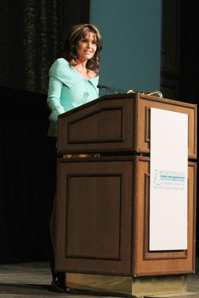 Former+Governor+Alaska+Sarah+Palin+delivers+T9GLgAW1sHYl