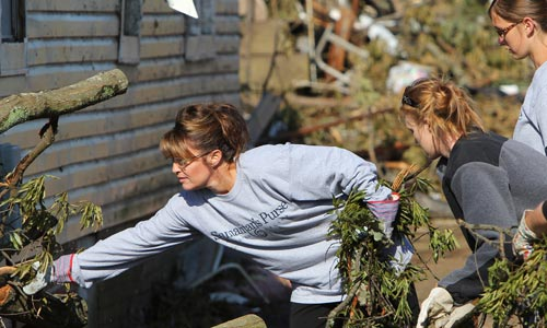 sarah-palin-alabama-tornadoes